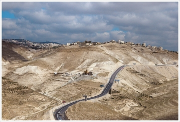 Israeli routes and Settlements divide the Palestinian Territory everywhere.