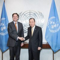 Slaafs Nederland in de moreel failliete VN