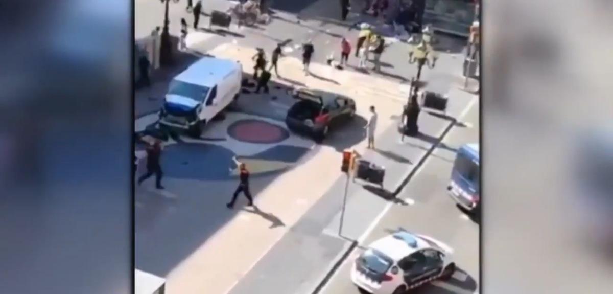 Jij bent een nazi, jij bent een fascist, jij bent een racist en de rest zijn witte busjes